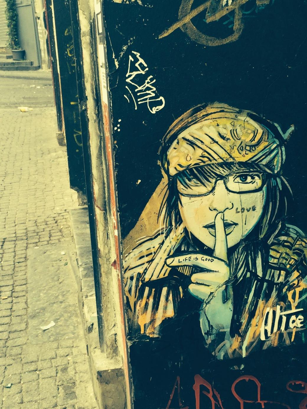 Lifeisgoodgraffiti